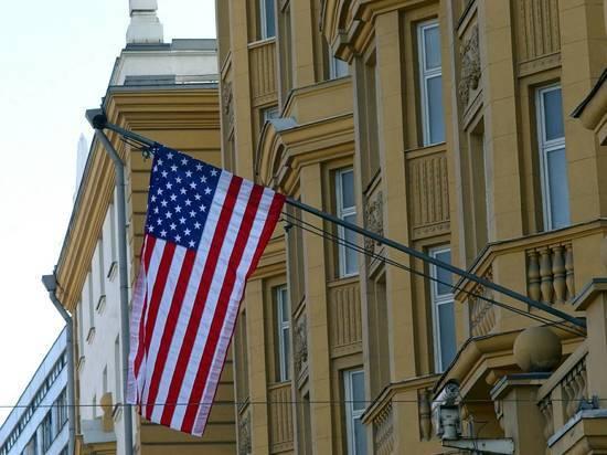 По итогам голосования в твиттере: Россия закрыла консульство США в Петербурге и выслала дипломатов
