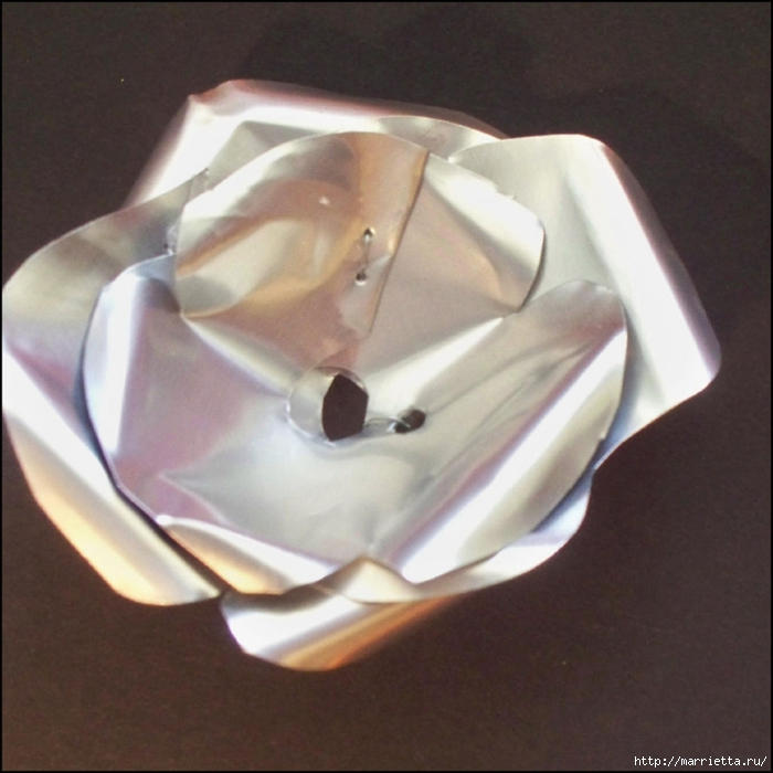 Розы и бабочки из алюминиевых баночек. Мастер-класс (7) (700x700, 259Kb)
