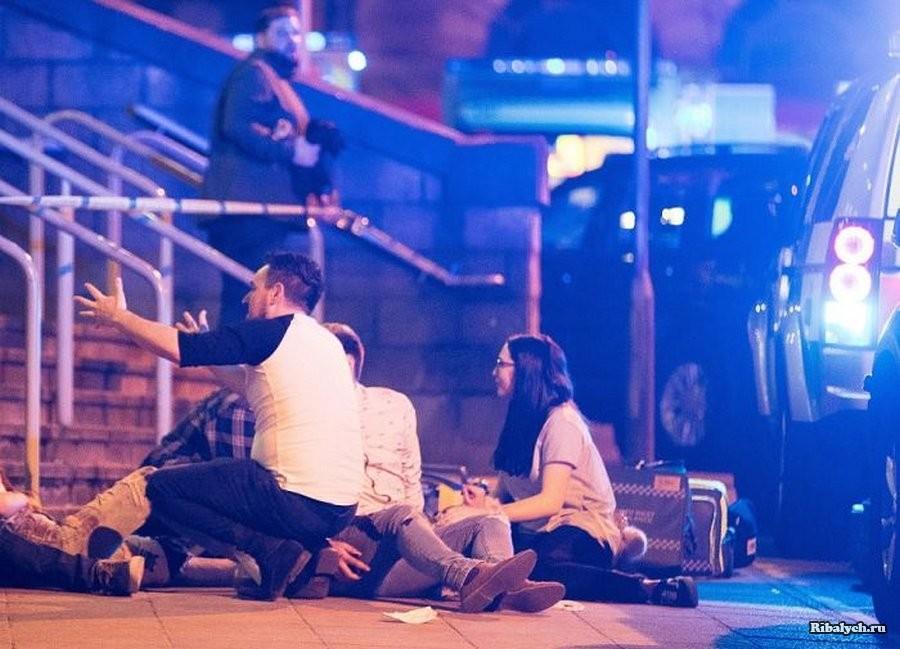 На концерте Арианы Гранде в Манчестере произошел очередной теракт