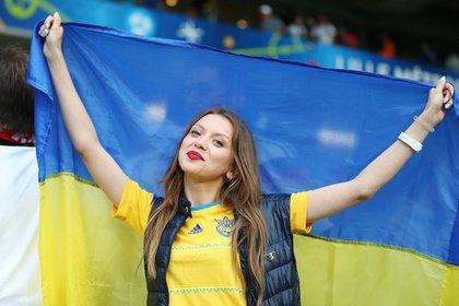 Кружевные трусики ждут: СМИ сообщили сроки введения ЕС безвизового режима для Украины
