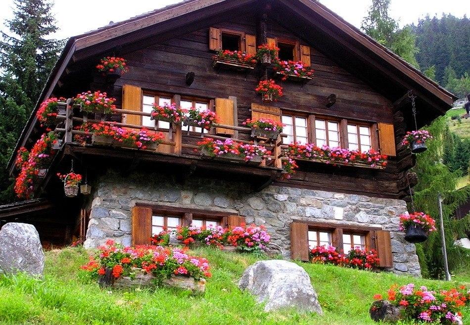 Живописная деревня Грименц в швейцарских Альпах