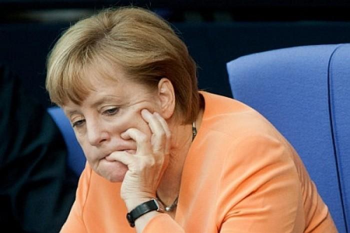 Меркель начала что-то подозревать: Нам не стоит полагаться на «вечную» поддержку США