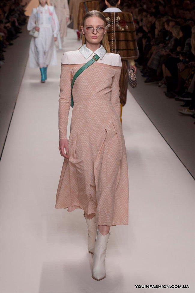 Коллекция Fendi осень-зима 2019-2020: возвращение к 80-м на Неделе моды в Милане новые фото