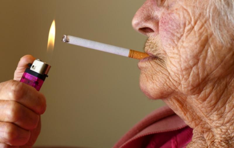 Это Сахалин, детка: бабушку-курильщицу унесло ветром с балкона