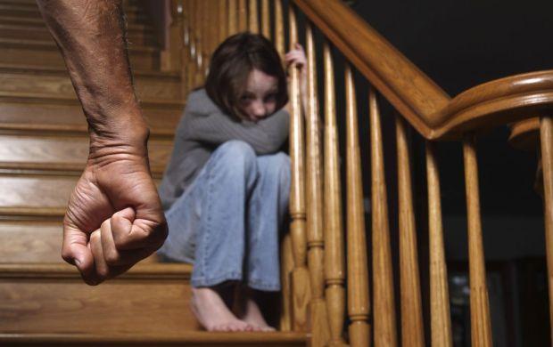 Госдума отменила уголовную ответственность за побои в семье