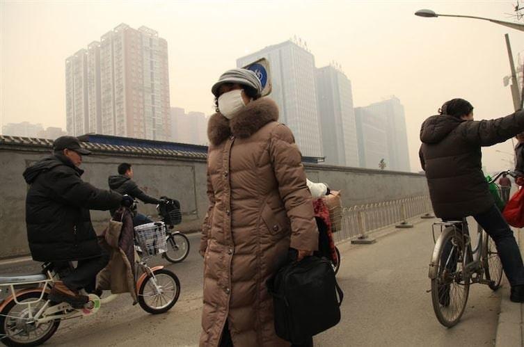 4. Загрязнение воздуха в Пекине настолько сильное, что дышать им целый день - все равно, что выкурить целую пачку сигарет интересное, китай, мир, неожиданно, познавательно, страна, факты, фото