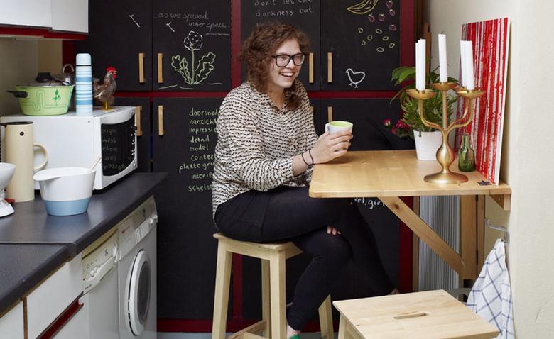 Не на полу, а на стенах: мебель, экономящая пространство