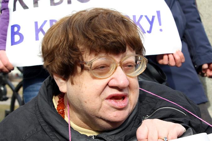 Новодворская призвала Правый сектор спровоцировать войну с Россией..