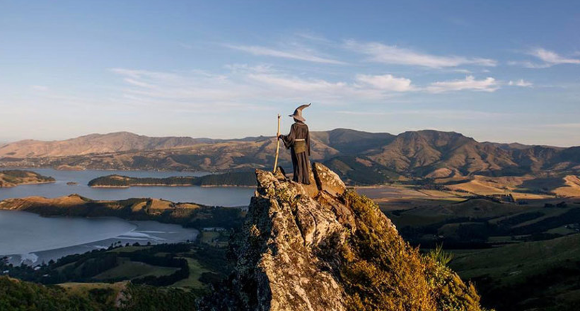 Эпические фото путешествиника в костюме Гэндальфа по Новой Зеландии
