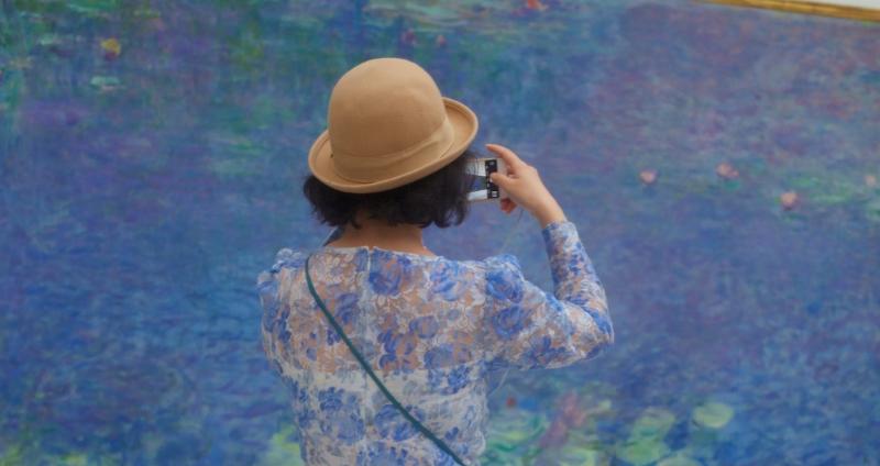 Жизнь повторяет искусство: австриец фотографирует посетителей музеев, «совпавших» с картинами
