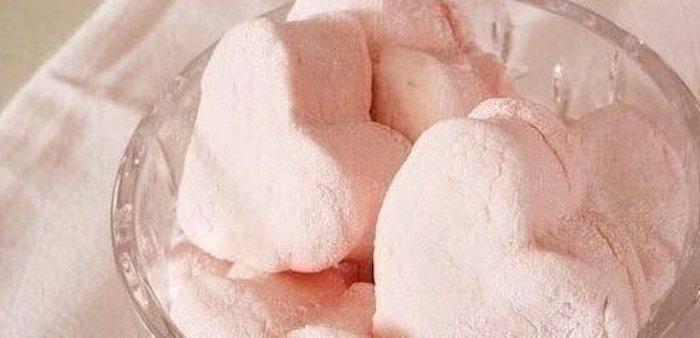 В последние месяцы зефир стал весьма модным десертом. Готовим его дома