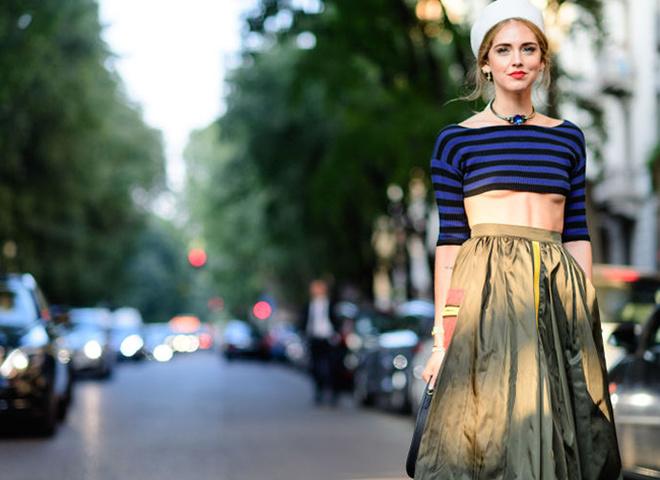 Декольте наоборот: необычный модный тренд весны