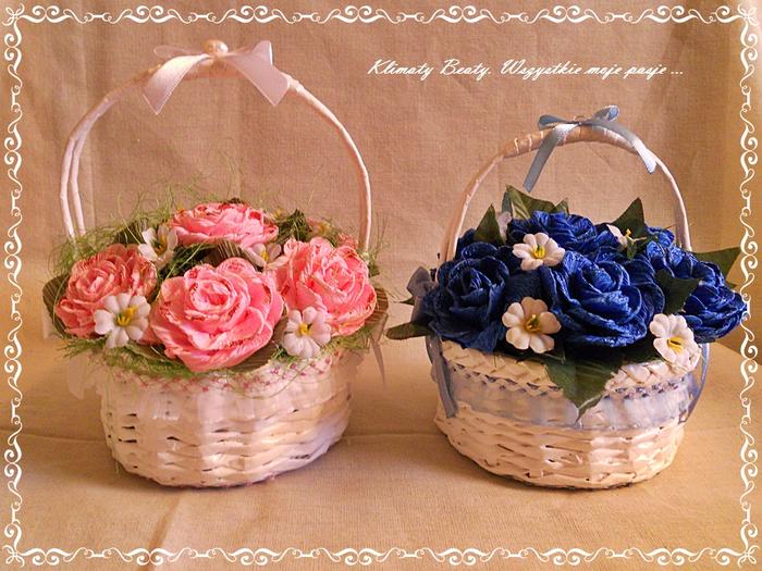 Как сделать корзину из цветов из газетных трубочек