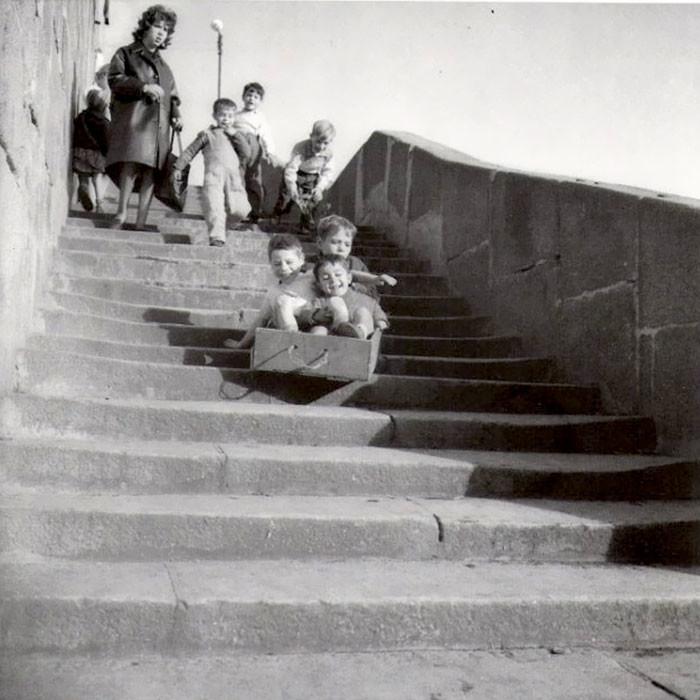 32. Вниз по ступеням, Португалия  детство, прошлое, фотография
