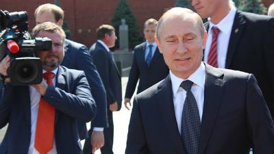 Путин запретил продажу алкоголя в пластиковых бутылках более 1,5 литров