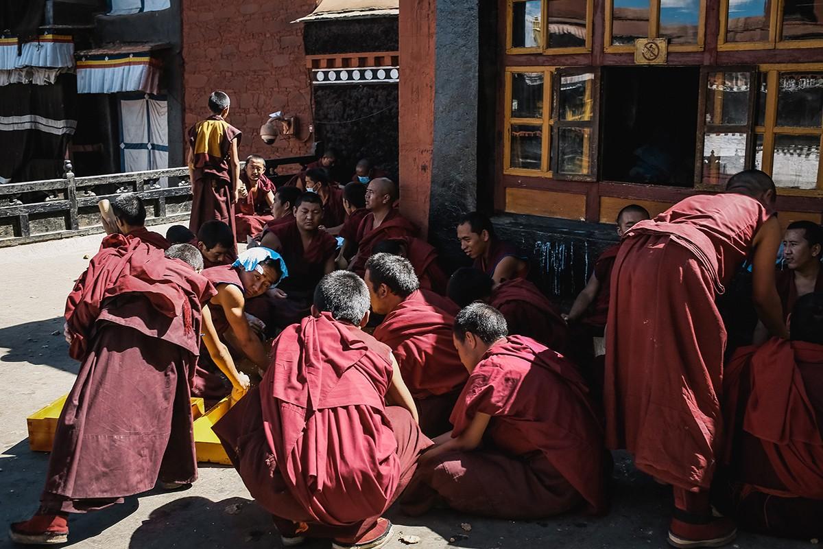shigadze20 В поисках волшебства: Шигадзе, резиденция Панчен ламы и китайский рынок