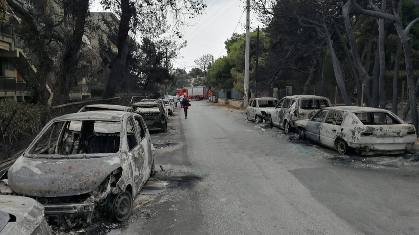 Власти Греции сменили руководителей пожарной службы и полиции