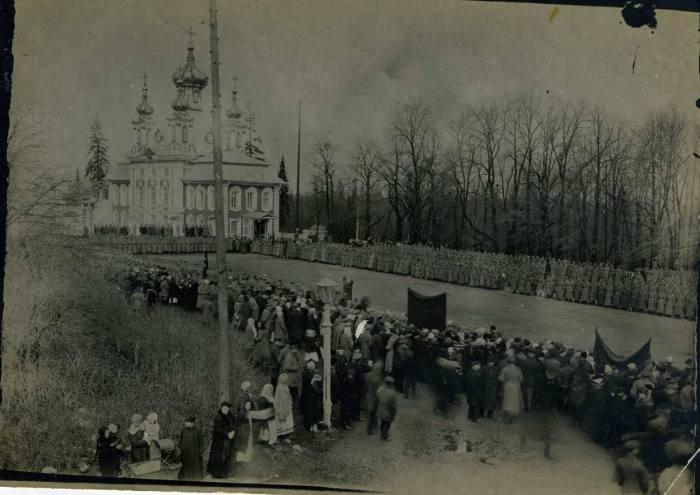 Парад гарнизона. 1 мая 1922 года.