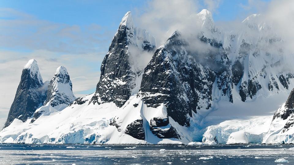 В Антарктиде по ночам происходят загадочные «льдотрясения»