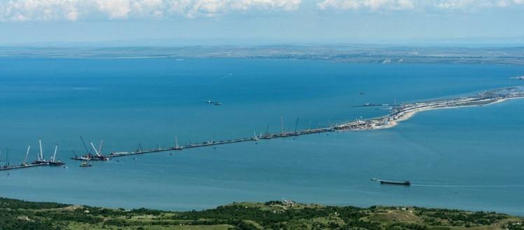 «Бортом повернемся — и все»: в Москве объяснили, почему корабли НАТО не смогут войти в Азов по расширенной зоне Украины