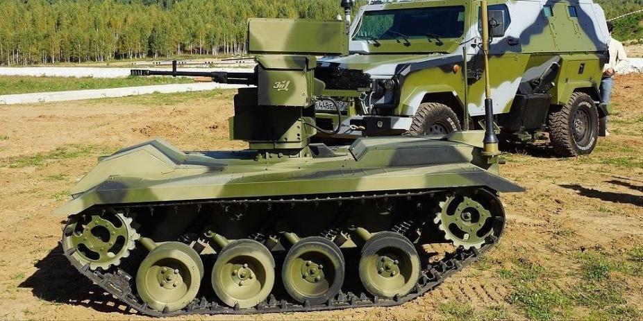 Российских боевых роботов предложили научить самостоятельно применять оружие