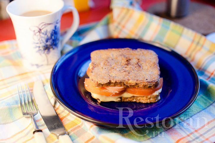 Горячий бутерброд в яйце