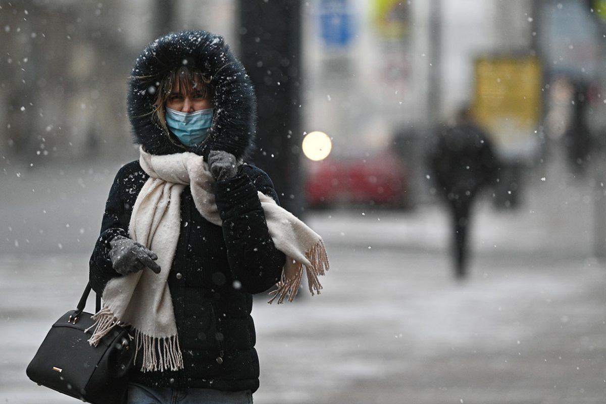 Почему вредно носить маски на улице в мороз? Мнение врача иммунолога