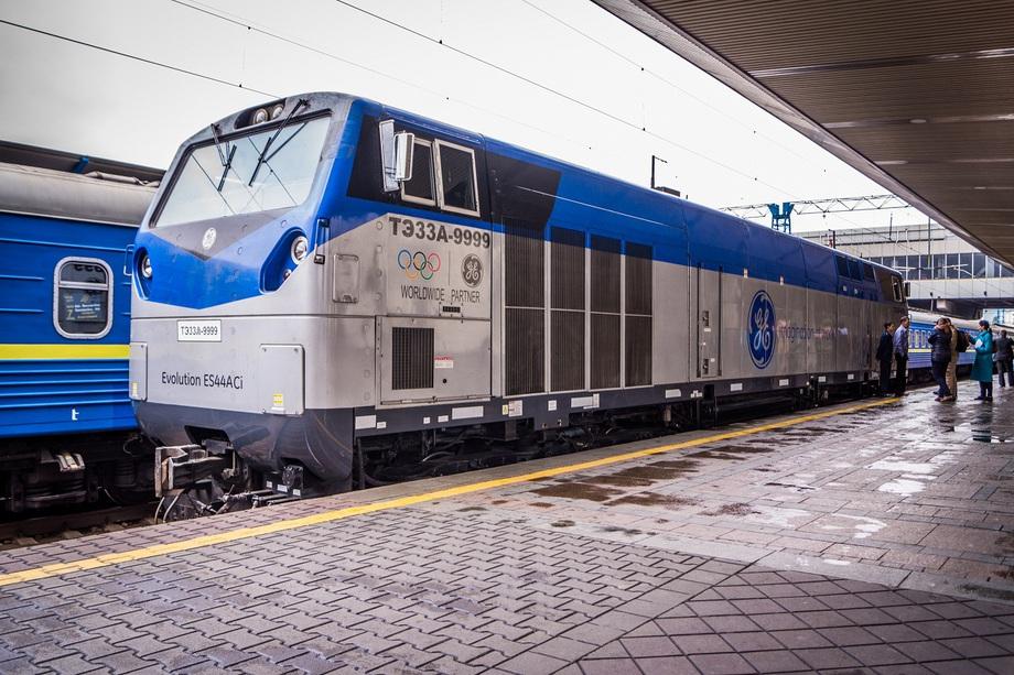 Железнодорожная «зрада»: тепловоз от General Electric «забуксовал» на украинских дорогах