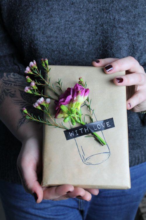 Упаковка с цветами