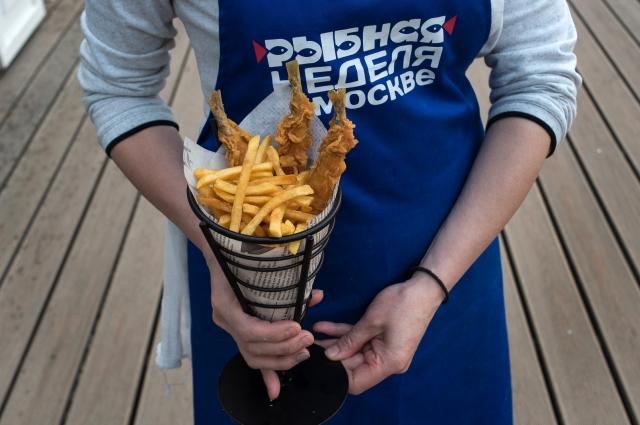 Корюшка с жареным картофелем