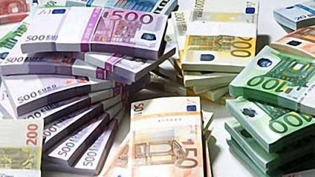 Сотрудник банка в Германии случайно перевел на счет клиентки €3,7 млн