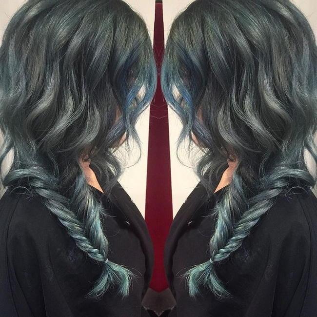 Джинсовые кудри — свежее веяние в окрашивании волос