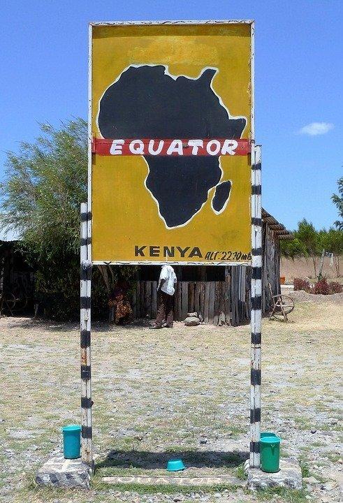 На экваторе находятся 14 стран. На сегодняшний день ни один путешественник не смог обойти все эти страны и совершить таким образом кругосветное путешествие вдоль экватора интересное, мир, факты, цифры