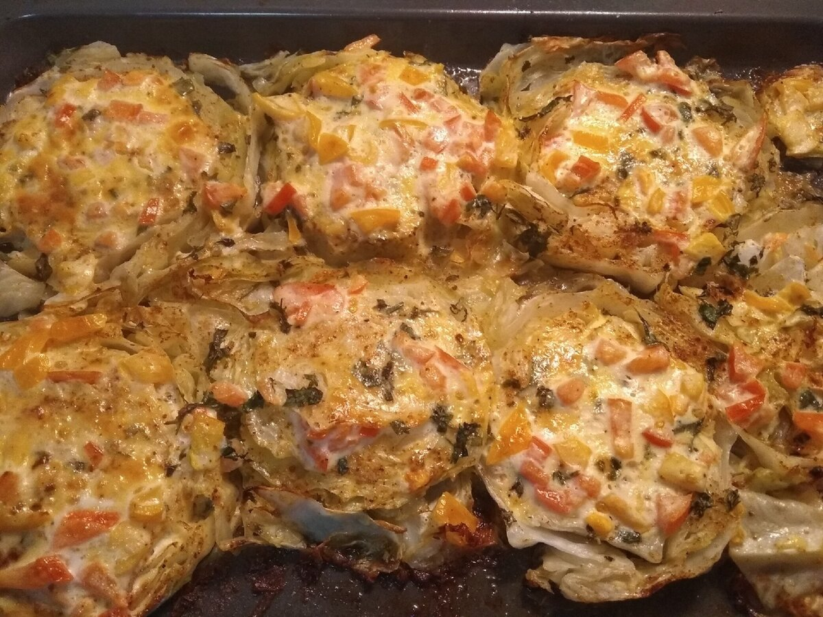 мелкие кочаны белокочанной капусты запеченные в духовке