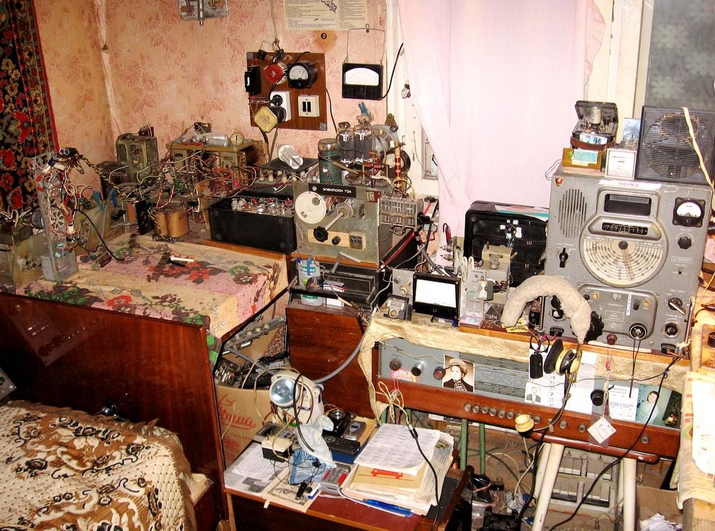 """Радиохулиганы: уже не играет """"шарманка"""""""