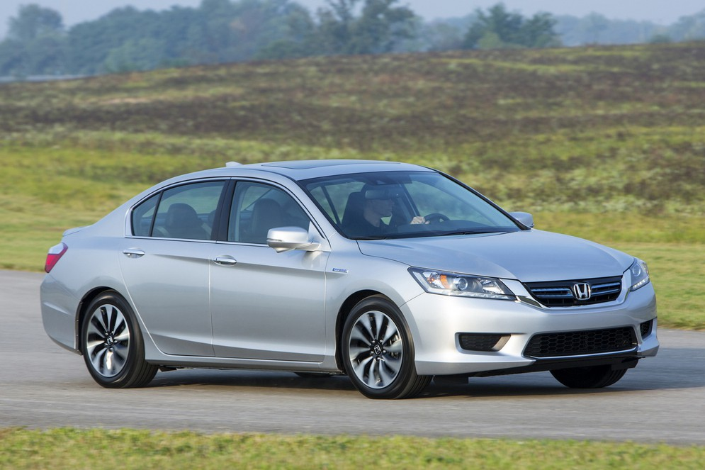 honda_accord_hybrid_ex-l_us-spec_20.jpg