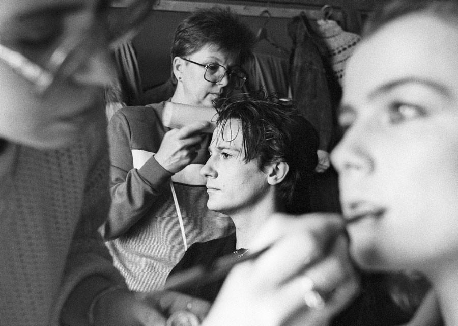 """Звёзды современного кино в """"лихие 90-е"""""""