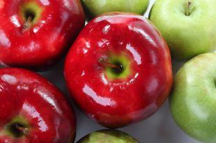 Яблоко с шеллаком. Можно ли есть блестящие овощи и фрукты?
