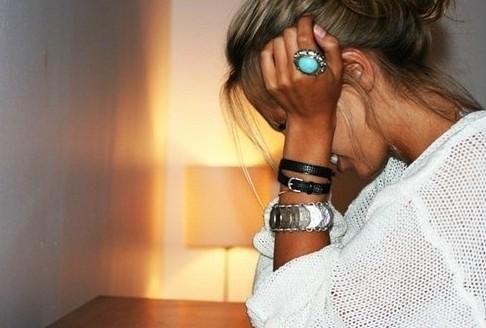 Мой молодой  человек обозвал меня старухой…Сижу и плачу весь вечер..не знаю..что делать..