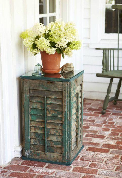 Удивительные примеры превращения ненужного хлама в полезные вещи для дома и сада