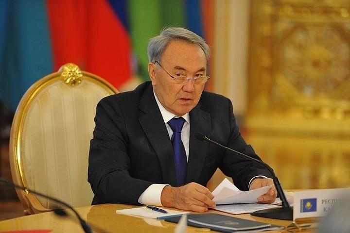 Власти Казахстана решили упростить латиницу после отказа от кириллического алфавита