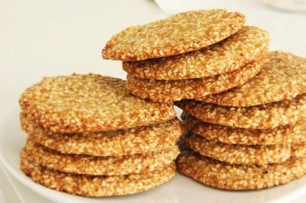 Хрустящее, ароматное кунжутное печенье. Вкусно и очень полезно!