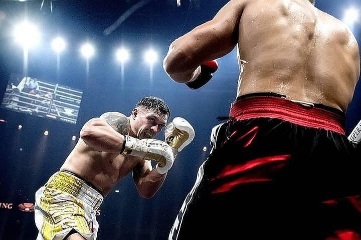 Усик победил Гассиева и стал первым победителем Всемирной боксерской суперсерии