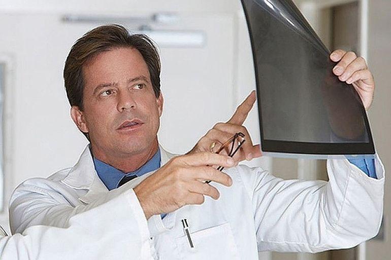 «Мы не думали, что это что-то серьезное» - пациенты с раком мозга рассказали о симптомах, на которые не обращали внимания