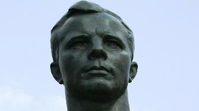 Лоза объяснил свои слова о Гагарине, который «лежал и ничего не сделал»