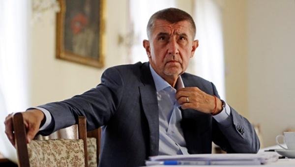 Глава МВД Чехии выступил заотставку премьера