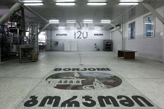 Поздно ли пить Боржоми? Как делают самую известную минеральную воду в СССР