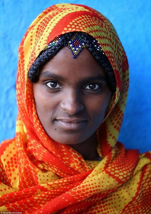 Женщины полукочевого народа Афар заплетают волосы в традиционные косички.