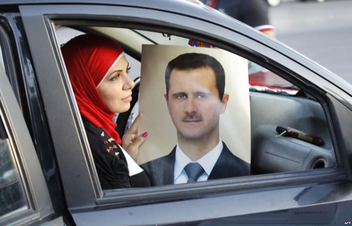"""ВВС Сирии нанесли удары по базам """"Исламского государства"""" в районе Алеппо и Дейр-эз-Зора"""