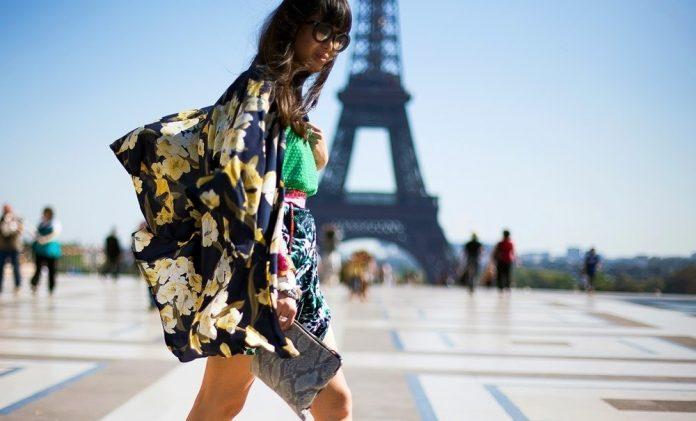 Как выглядит современная француженка: 11 стритстайл-образов, вдохновленных Парижем